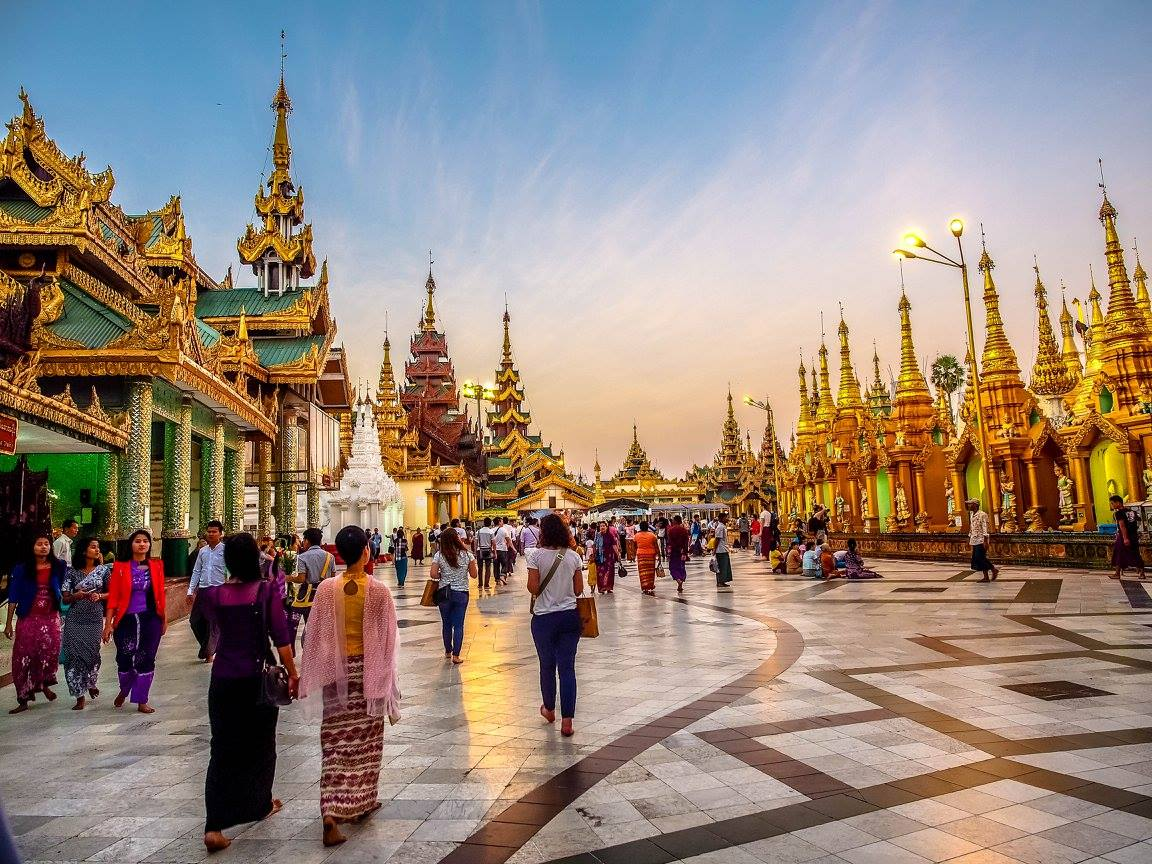 พาเที่ยว เจดีย์ชเวดากอง ที่พม่า