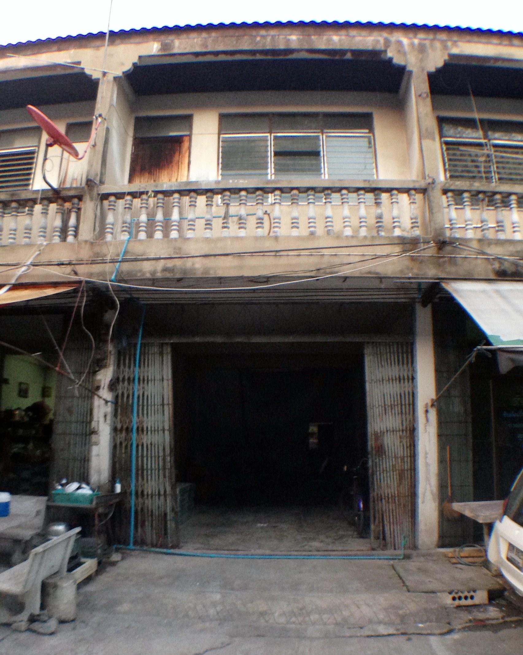 Renovate ตึกแถวเก่าๆ ให้เหมือนใหม่ ในราคาประหยัด