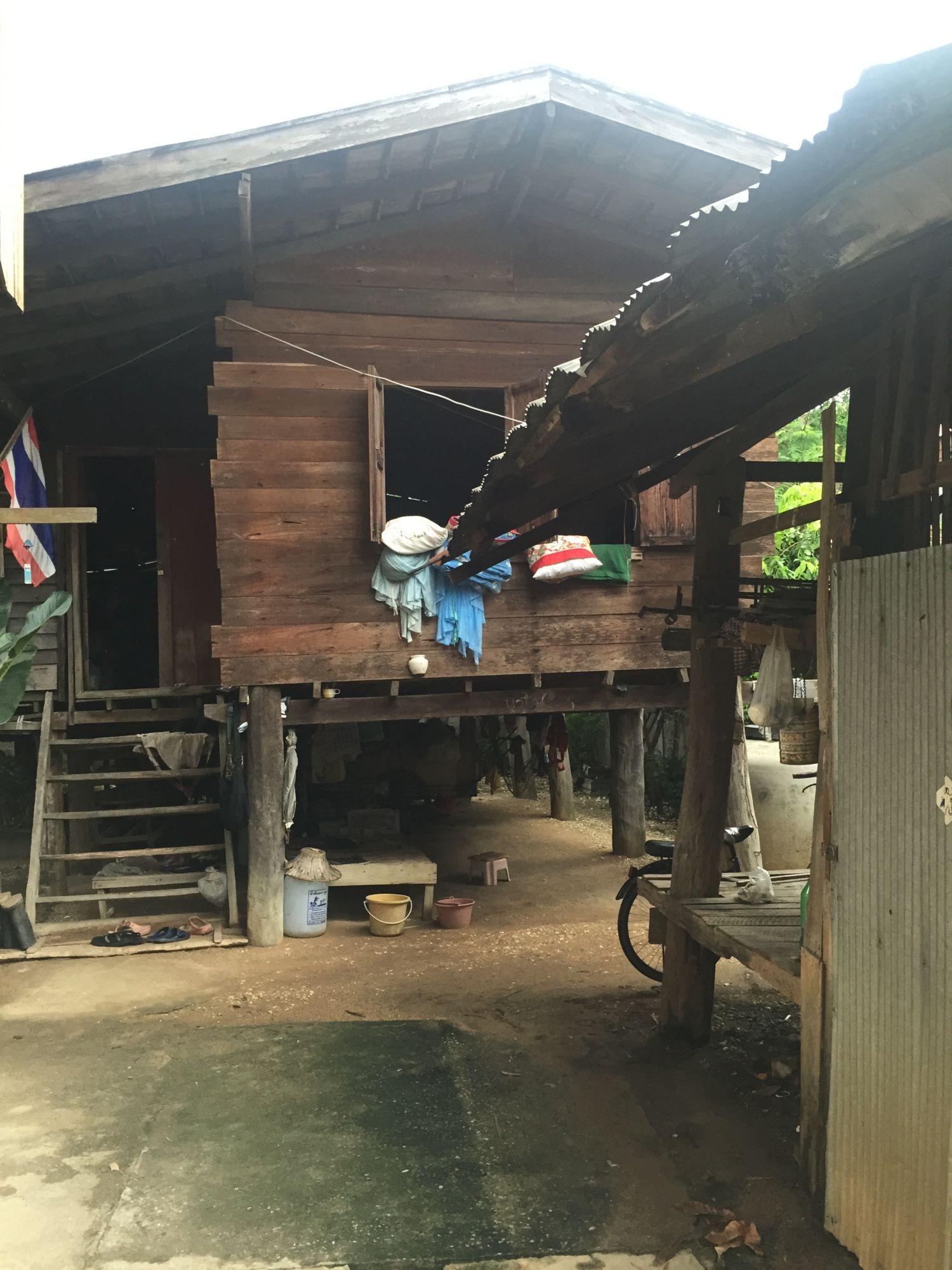 ทุบบ้านไม้สร้างบ้านชั้นเดียว งบ 6 แสนให้พ่อ-แม่อยู่