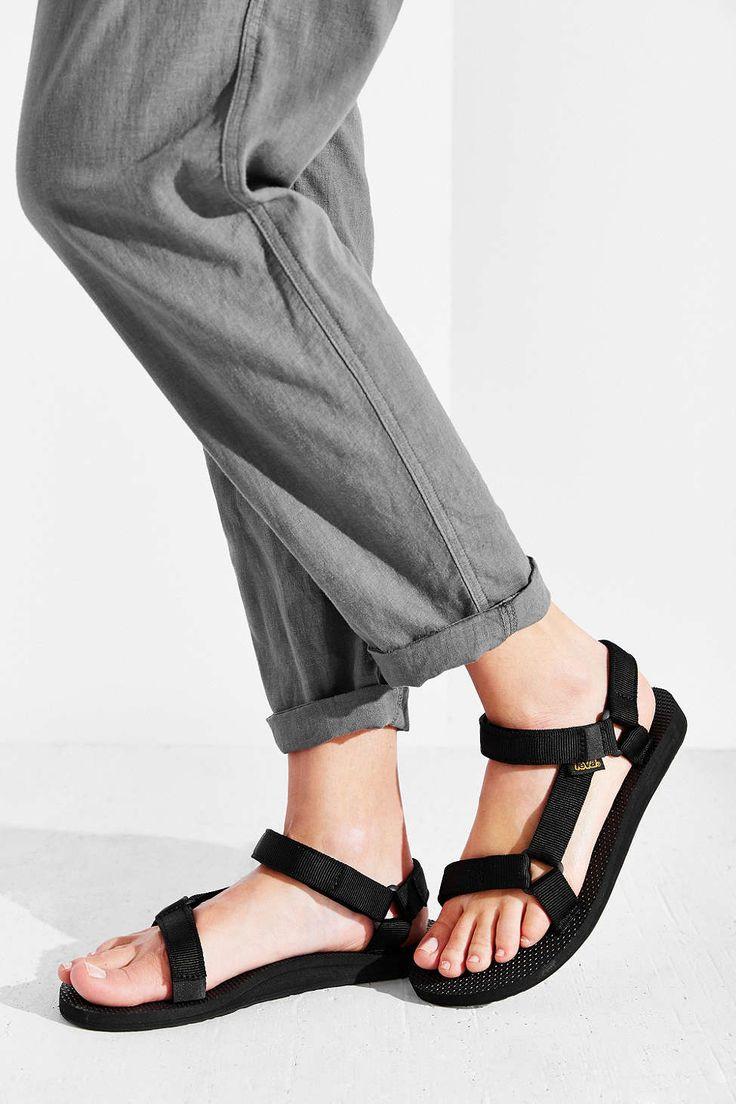 รองเท้าแตะรัดส้นเท้าแบบนี้มีขายที่ไหนบ้างคับ Pantip