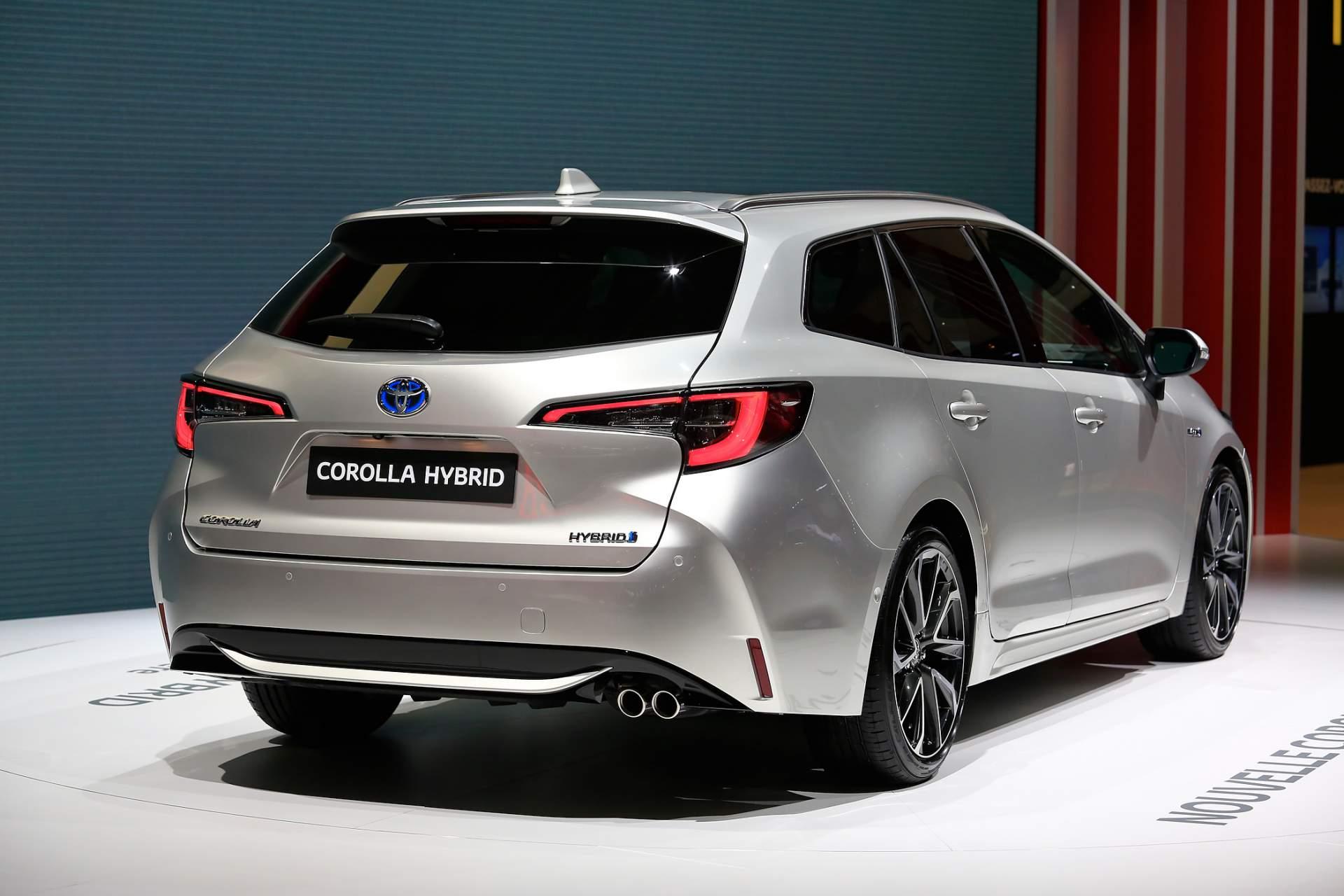 """มาดู Toyota Altis Model Change """"Altis Touring"""" ทรงวากอน ..."""
