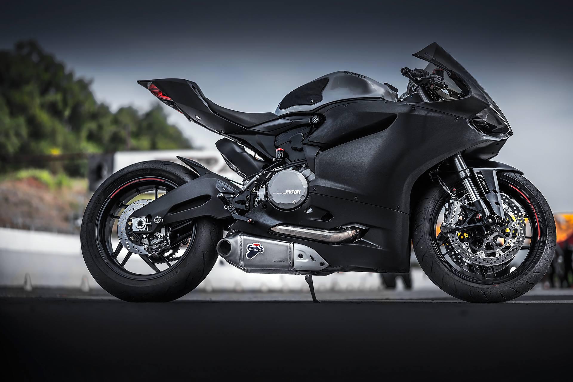 Ducati  Oil Change
