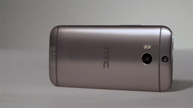ซึ่งก็มีสมาร์ทโฟนอีกหนึ่งรุ่นที่มีข่าวลือมาพร้อมกับเครื่องนี้นั้นก็คือ HTC  One (M8 EYE)