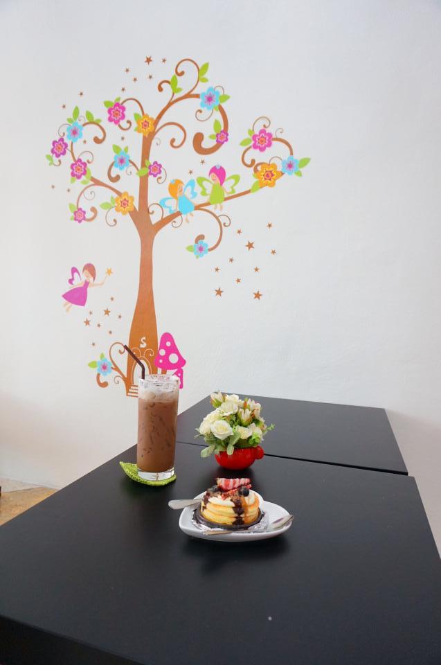 Meowzila Cat Cafe