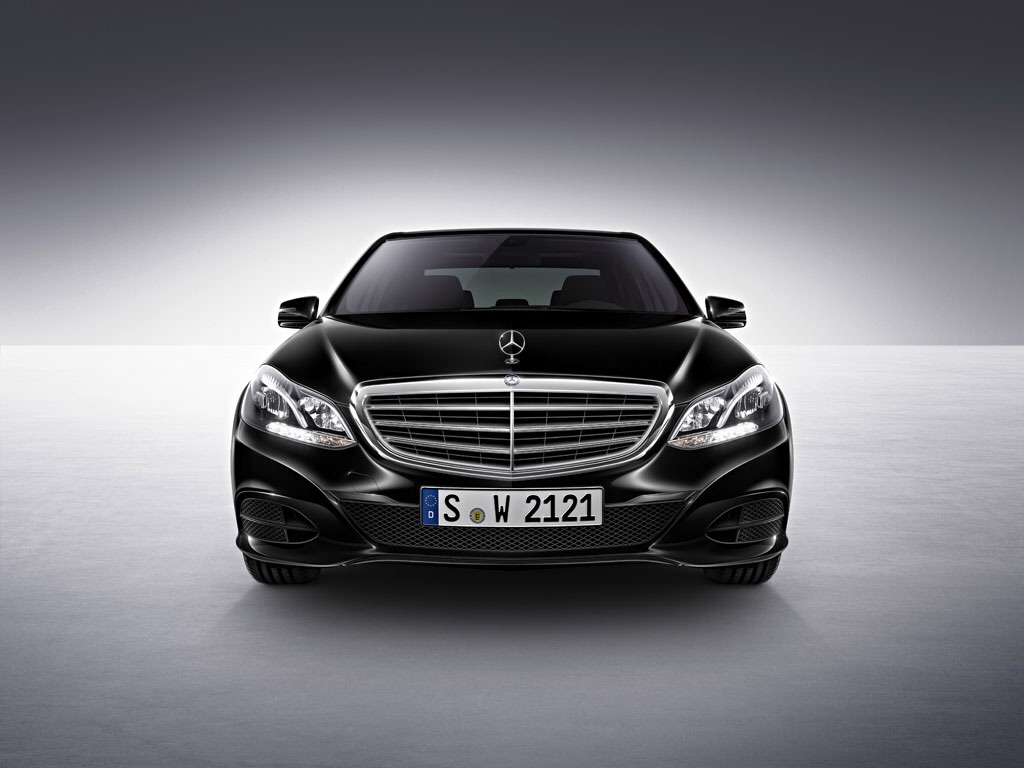 2015 MERCEDES-BENZ E200 AMG PRICE INCLUDED GST. 2.0cc FACELIFT.PADDLE SHIFT