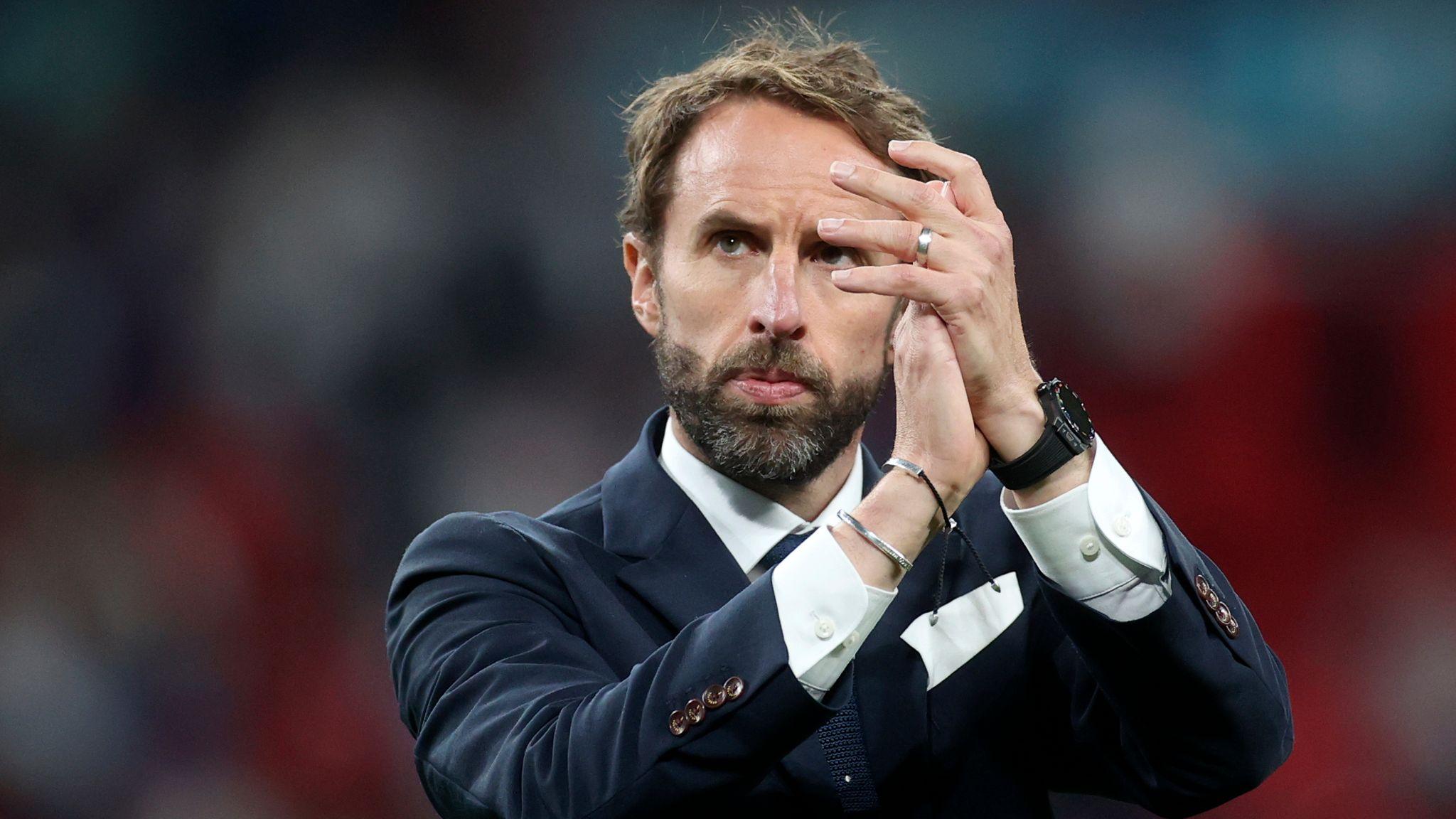 คุณว่า Gareth Southgate เก่งมั้ย พาอังกฤษเข้ารอบรองชนะเลิศบอลโลก 2018  และเข้าชิงชนะเลิศบอลยูโร 2020 ได้ - Pantip