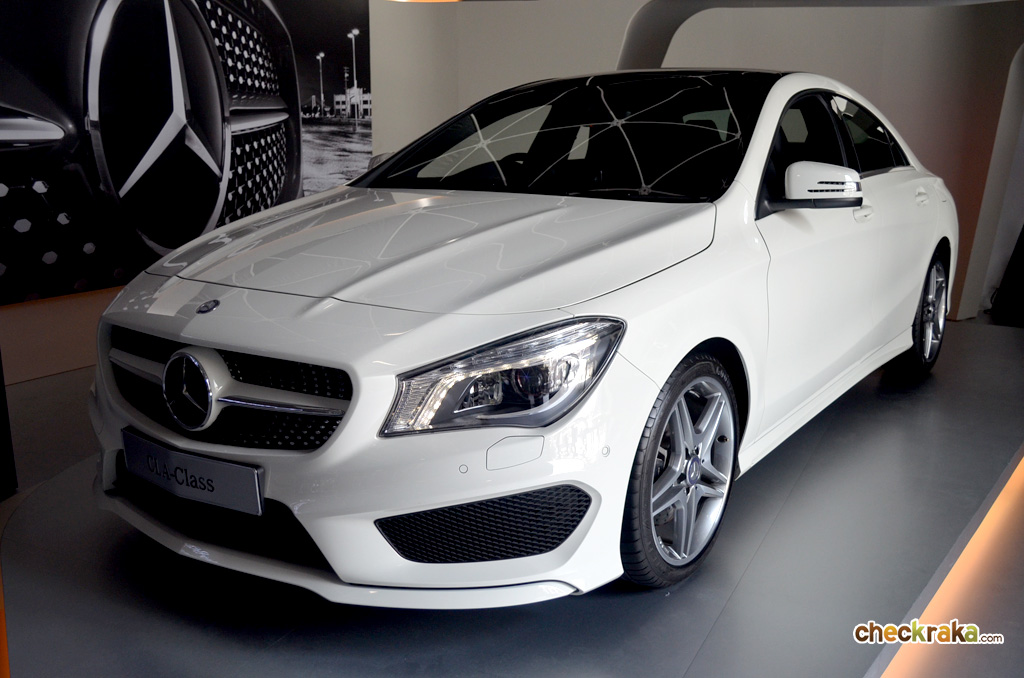 c 250 amg w205 vs cla 250 amg autos post. Black Bedroom Furniture Sets. Home Design Ideas