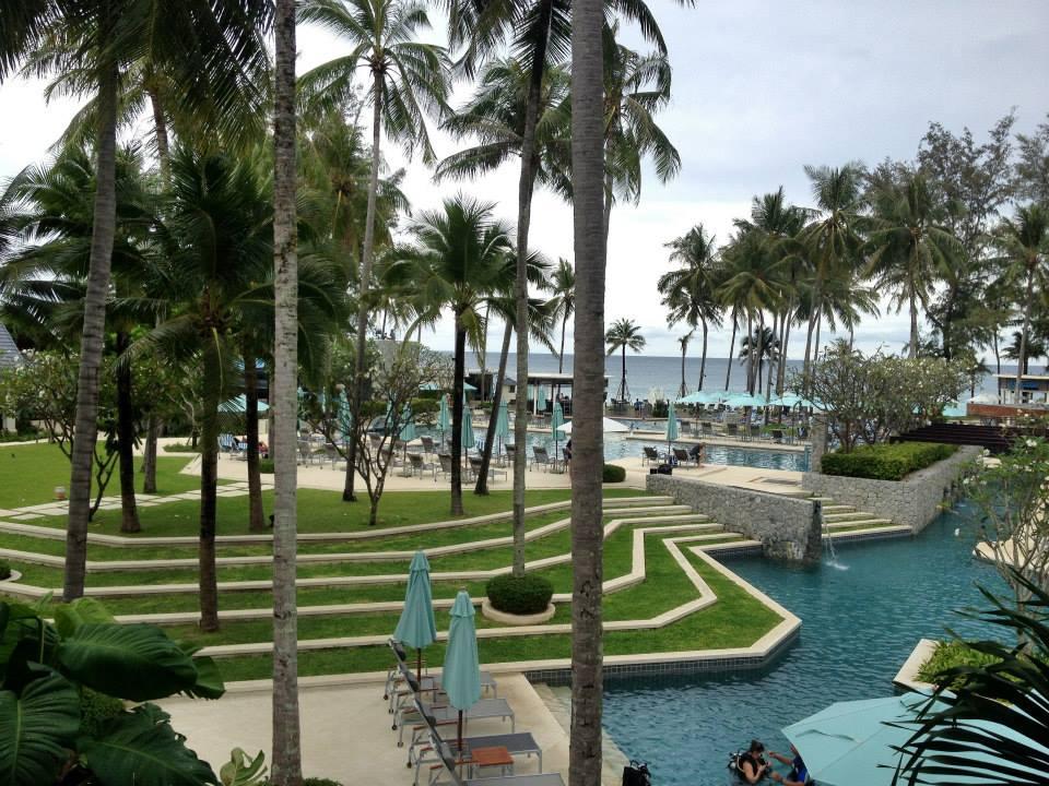 Laguna Beach Resort  Pantip