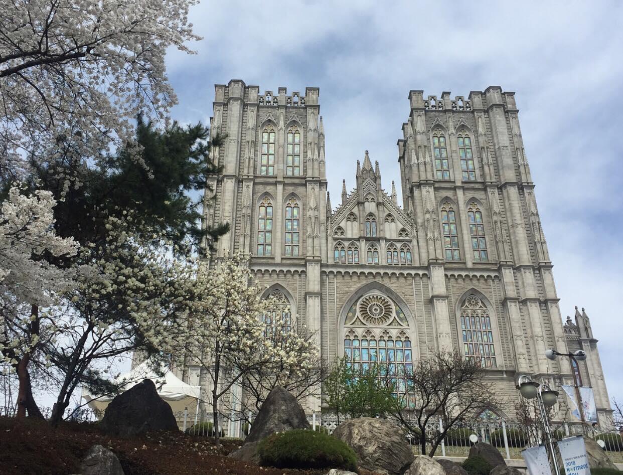 พาชม มหาลัยที่สวยที่สุดใน โซล kyunghee university (เรียนที่นี่) - Pantip
