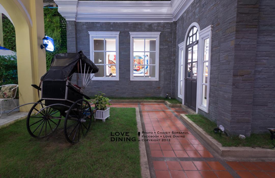 Coffee World - Khaosan Museum - หอมกลิ่นวาฟเฟิลและกาแฟหอมๆ