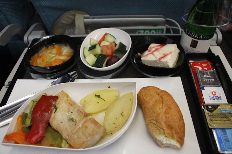 ผลการค้นหารูปภาพสำหรับ อาหารบนเครื่องTurkish Airlines