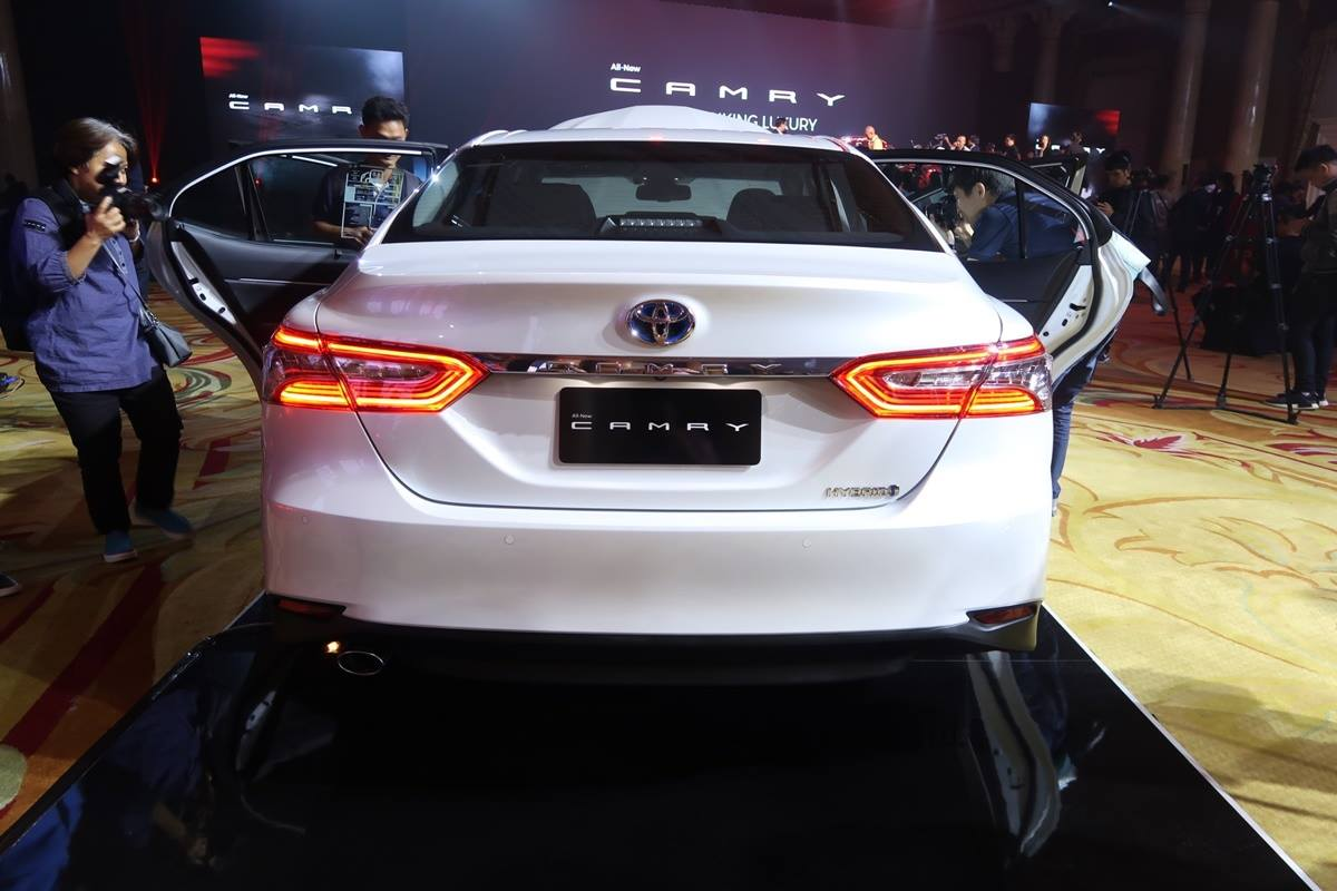 เปิดตัวแล้ว 2019 Toyota Camry มี 4 รุ่นย่อย เริ่ม 1 445-1 799 ล้าน
