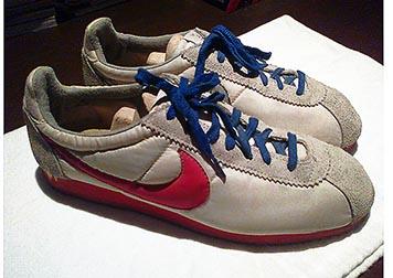 sports shoes 75355 a445c ภาพนี้ Freddie Mercury ใส่ Onitsuka Tigerใช่รึเปล่า? - Pantip