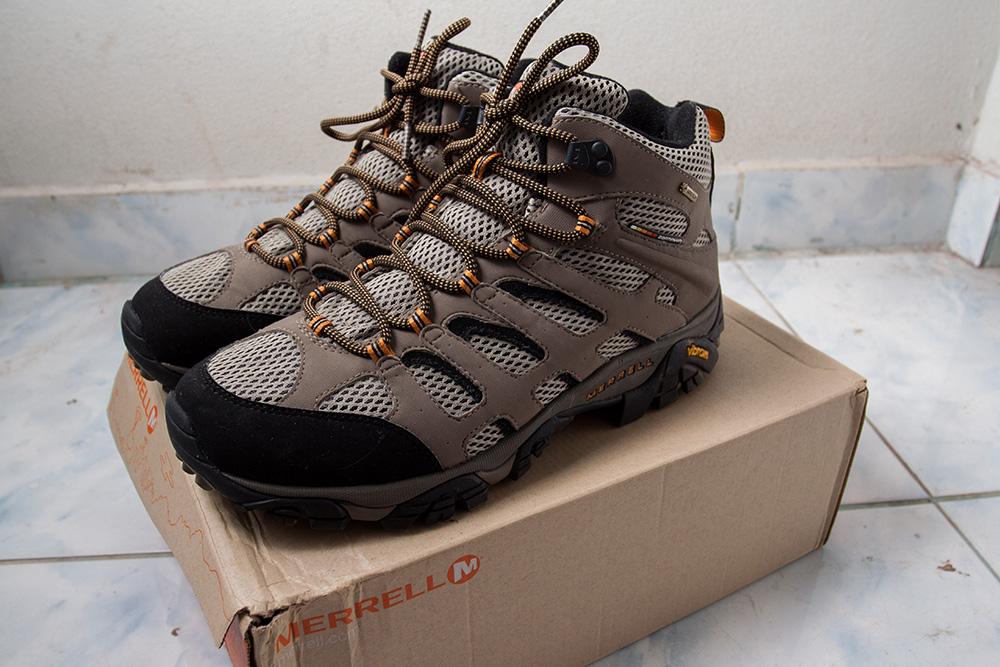 ผลการค้นหารูปภาพสำหรับ รองเท้า Hiking ผู้หญิง
