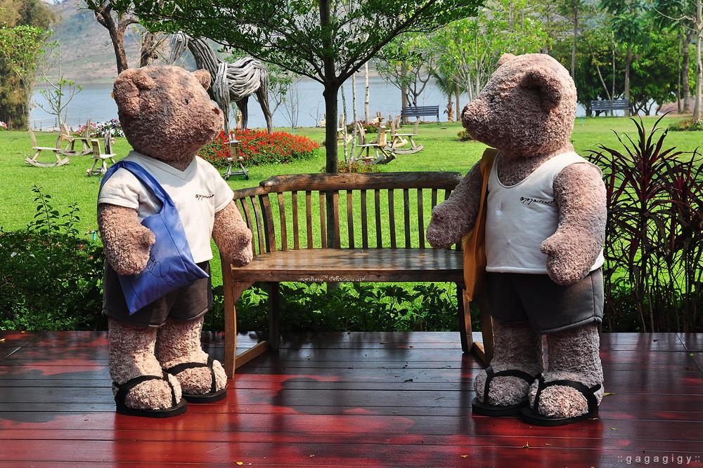 เชียงราย เที่ยว, pantip, review, Chiang rai, ที่เที่ยวเชียงราย, ที่กินเชียงราย, ของอร่อยเชียงราย, ร้านอร่อย เชียงราย, เชียงราย เที่ยวไหนดี, เชียงราย ที่พัก, โพธิ์วดล รีสอร์ท แอนด์ สปา, Phowadol Resort & Spa, วัดพระแก้ว, ร้านกาแฟ เชียงราย, เบเกอรี่ เชียงราย, ร้านบรรยากาศดี เชียงราย, ชีวิตธรรมดา เชียงราย, วัดร่องขุ่น, ไร่บุญรอด, Singha Park, เที่ยววัดเชียงราย, Bangkok airways, ศาลหลักเมือง เชียงราย, ภูภิรมย์ เชียงราย, ใบชา, ไร่ชา, บ้านดำ เชียงราย, ถนนคนเดิน เชียงราย, หอนาฬิกา เชียงราย, ดอยตุง, พระตำหนักดอยตุง, แม่สาย, ท่าขี้เหล็ก, หลู้ลำ เชียงราย, คำธนา เชียงราย, KhamThana Hotel Chiang Rai, ไร่ชาฉุยฟง, สามเหลี่ยมทองคำ, วัดถ้ำป่าอาชาทอง, พระขี่ม้า บิณฑบาตร, ครูบาเหนือชัย, วัดพระธาตุจอมจันทร์, ไร่เชิญตะวัน,