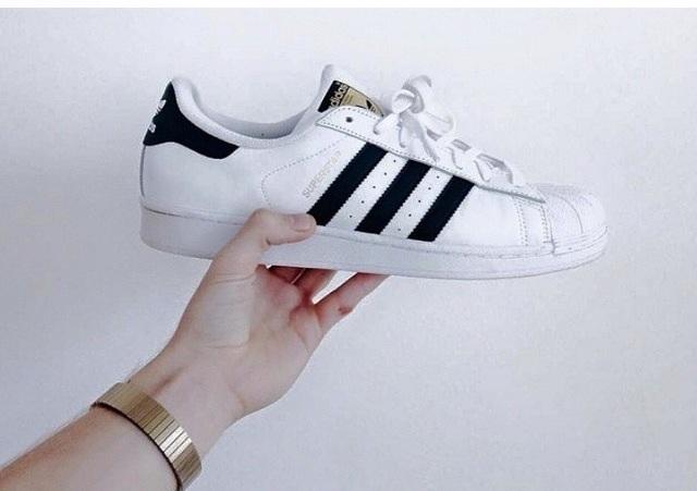 รองเท้า ฟุตบอล adidas