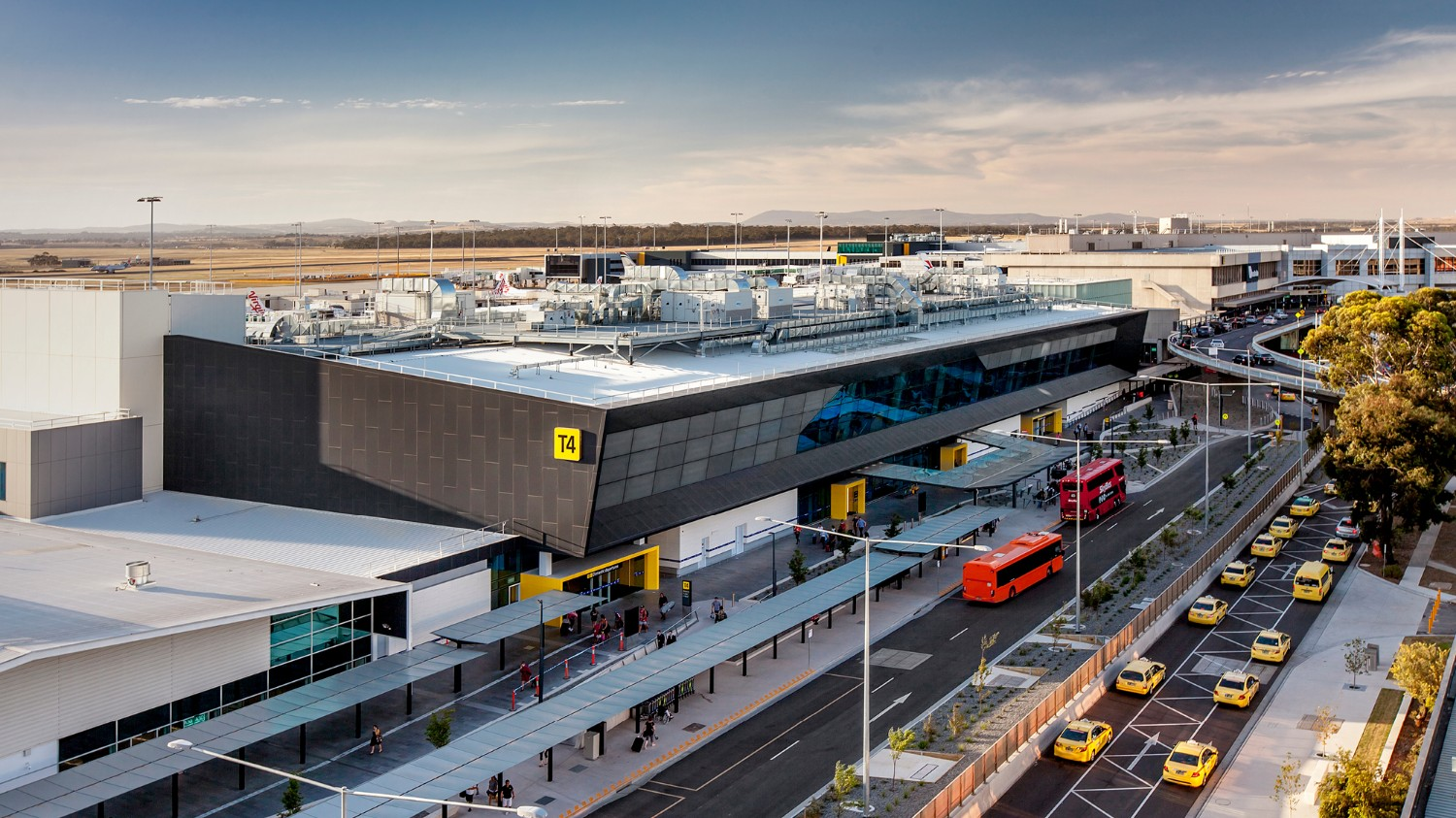 melbourne airport sits right - HD1500×843