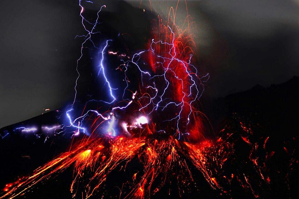 Картинки по запросу volcanic lightning