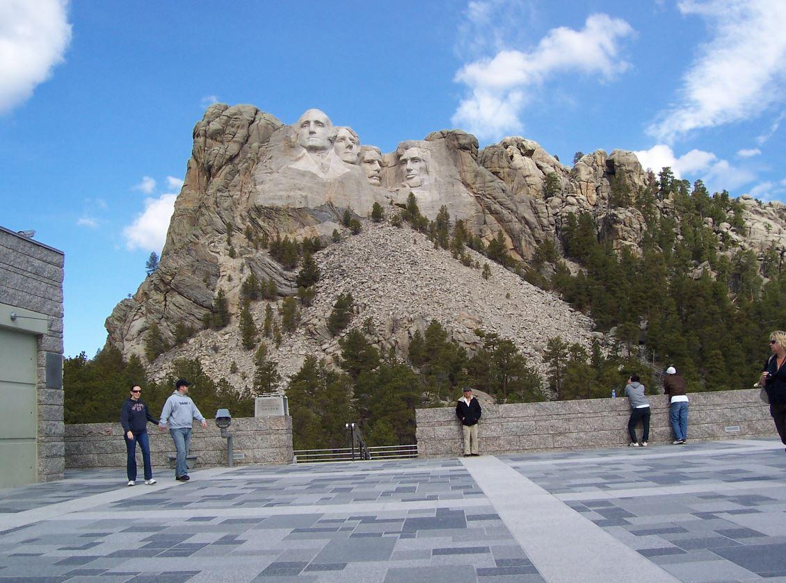 เมาท์รัชมอร์ สถาปัตยกรรมหินผาแห่งอเมริกา