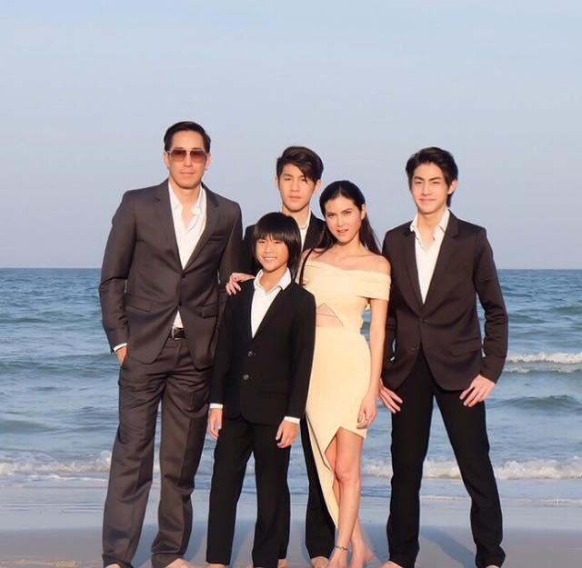 เจตริน วรรธนะสิน: ครอบครัวนี้หน้าตาดีกันทั้งบ้านจริงจริง