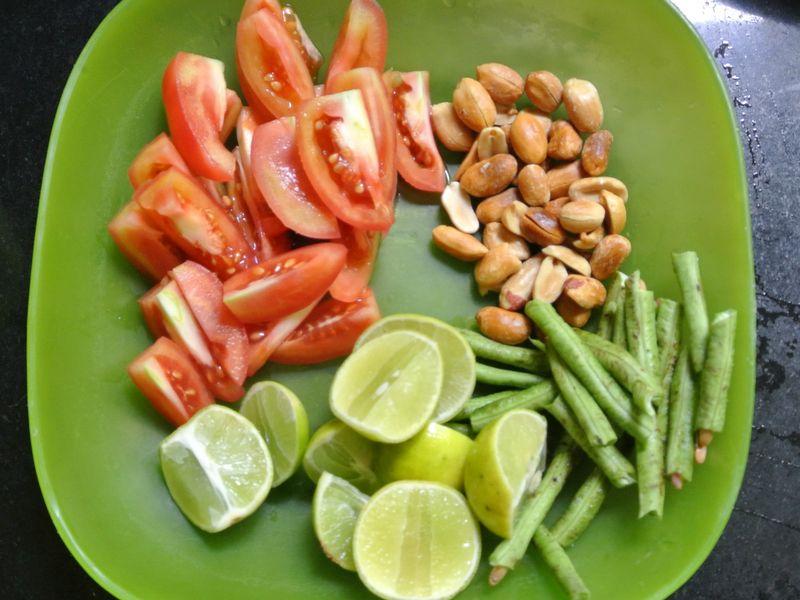 ส้มตำผักบุ้งไทยทอด