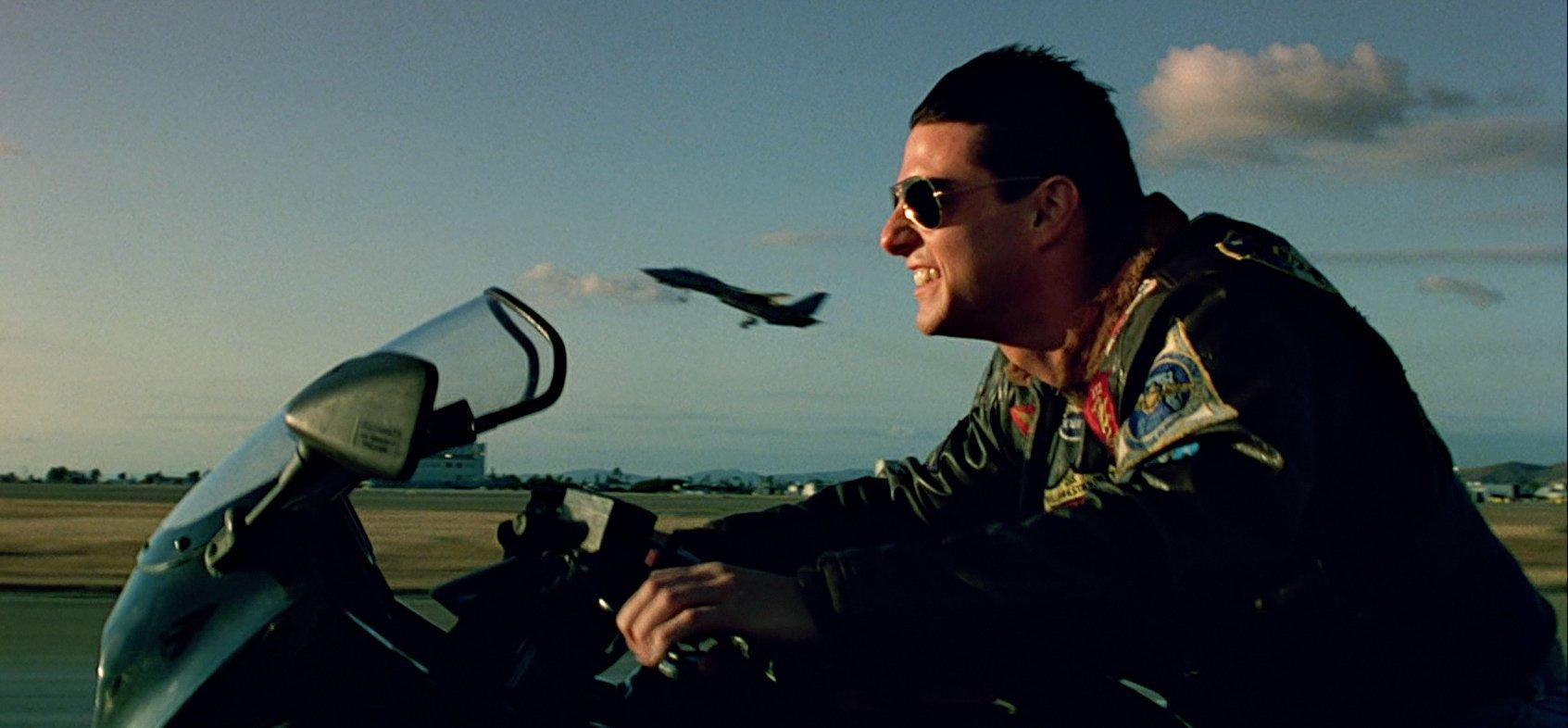 พวกหนังที่มีฉากเครื่องบินสู้รบกันสมัยก่อน อย่างเช่น Top Gun  เค้าถ่ายทำกันได้ยังไง - Pantip
