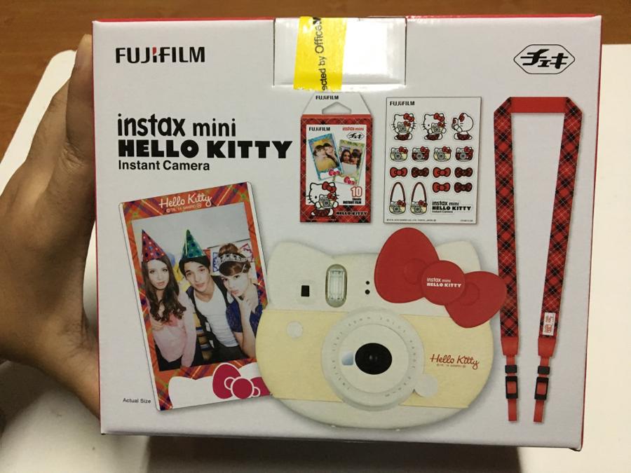 Fujifilm Instax Mini 8 Hello Kitty Red Film