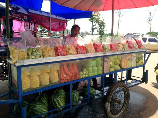 ผลการค้นหารูปภาพสำหรับ รถขายผลไม้